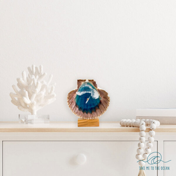 Resin ocean scallop by Take me to the ocean